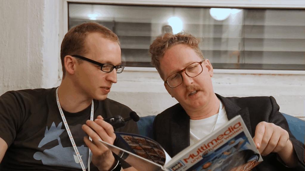 Chris und Uke Bosse lesen das Buch Multimedia