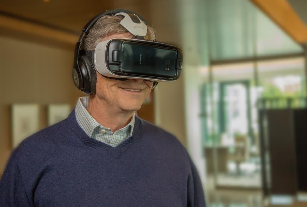 Bill-Gates-Gear-VR-Samsung-Microsoft