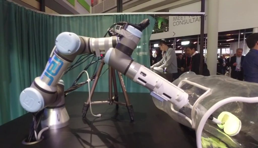 Chirugenausbildung-VR-medical-VR-robotic-surgery-ericsson-room-one