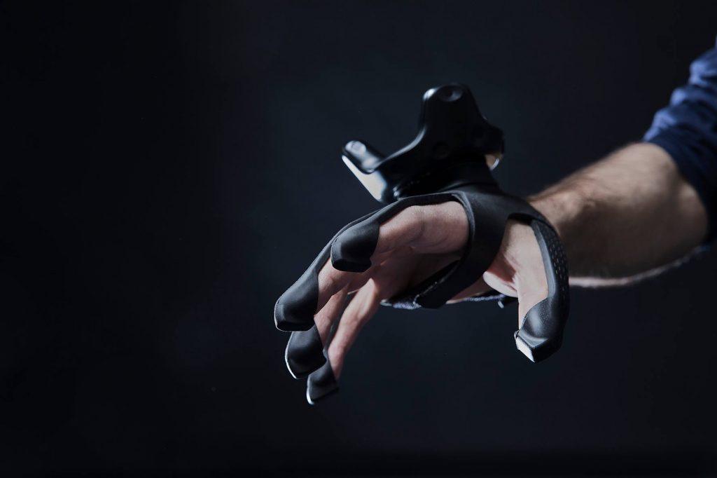Plexus-haptics-VR-Gloves-Controller