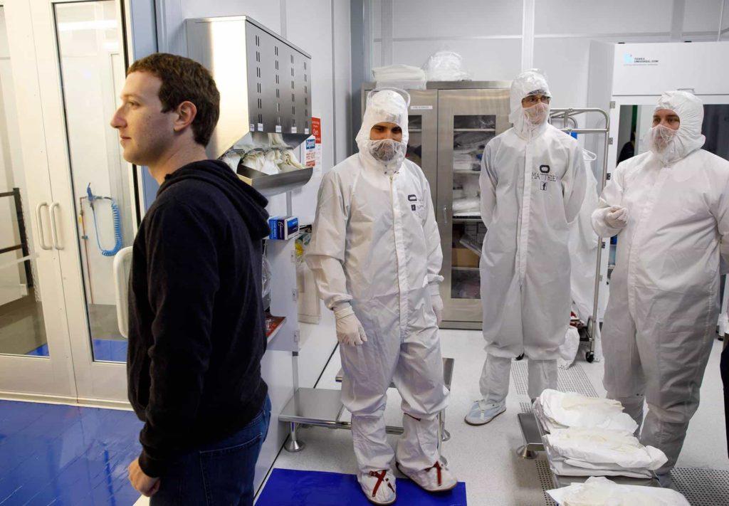 Mark Zuckerberg zeigt arbeit an Hand Tracking